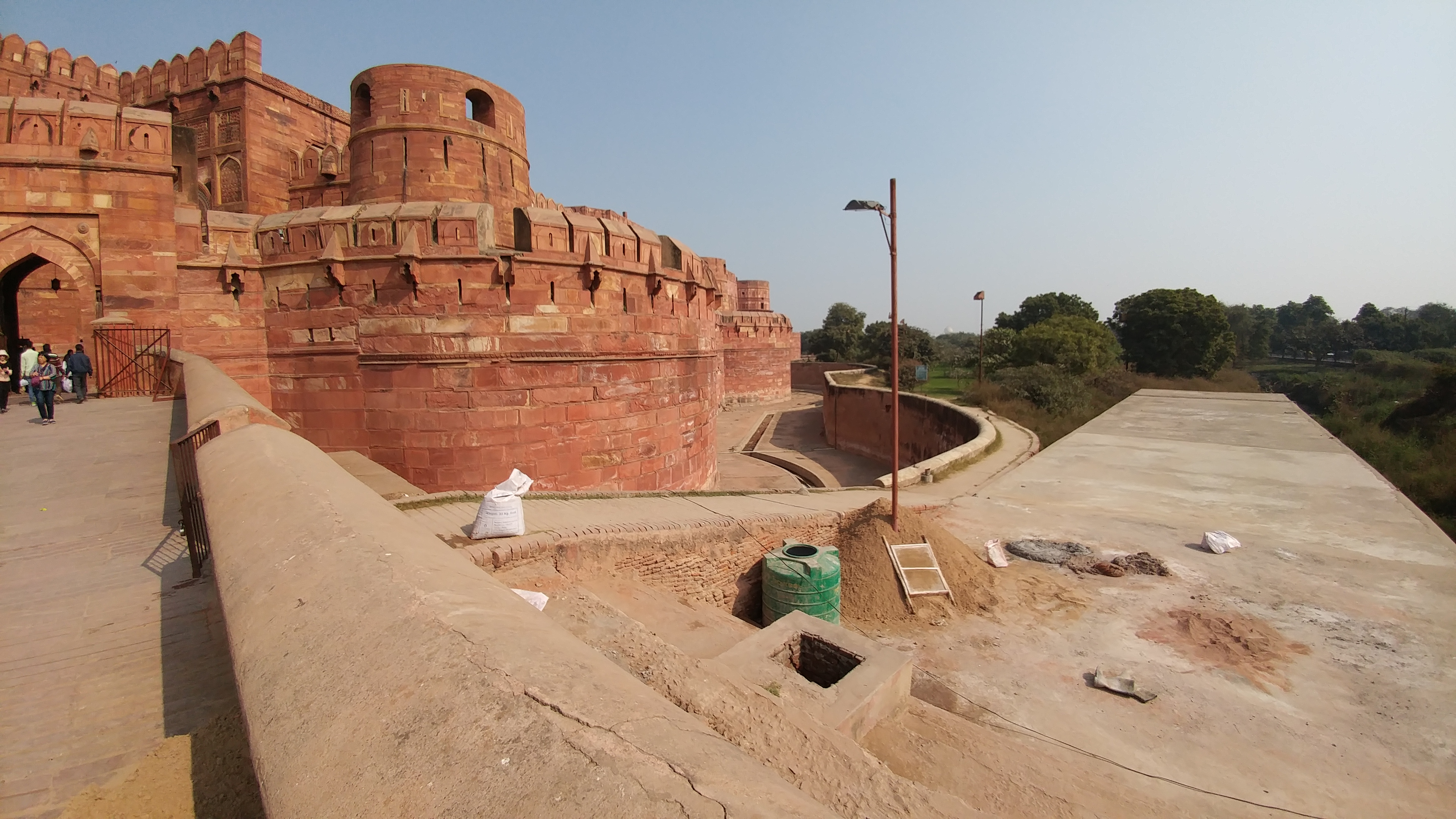 Agra Fort - Beware of alligators