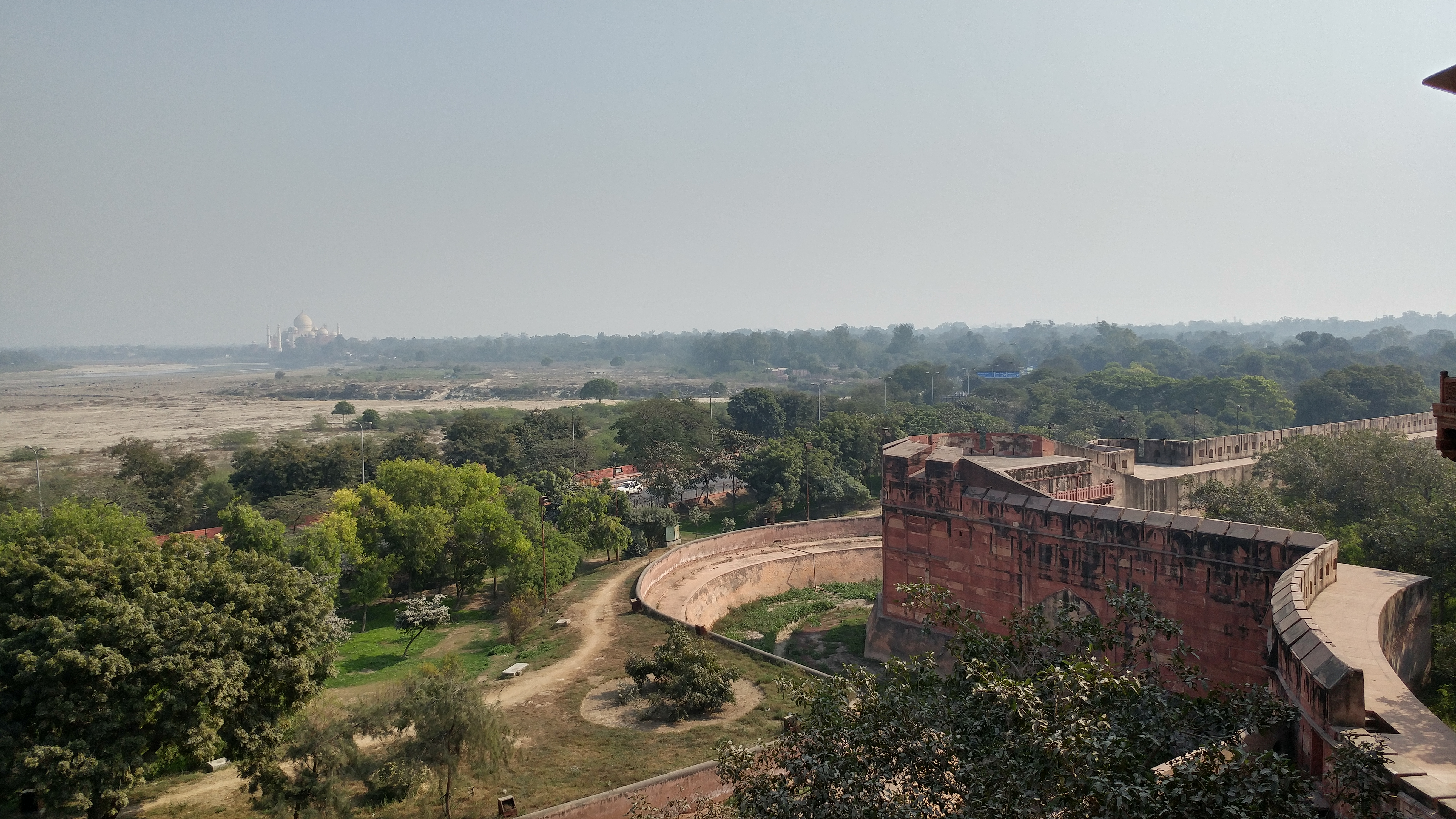 Agra Fort - Taj at long distance